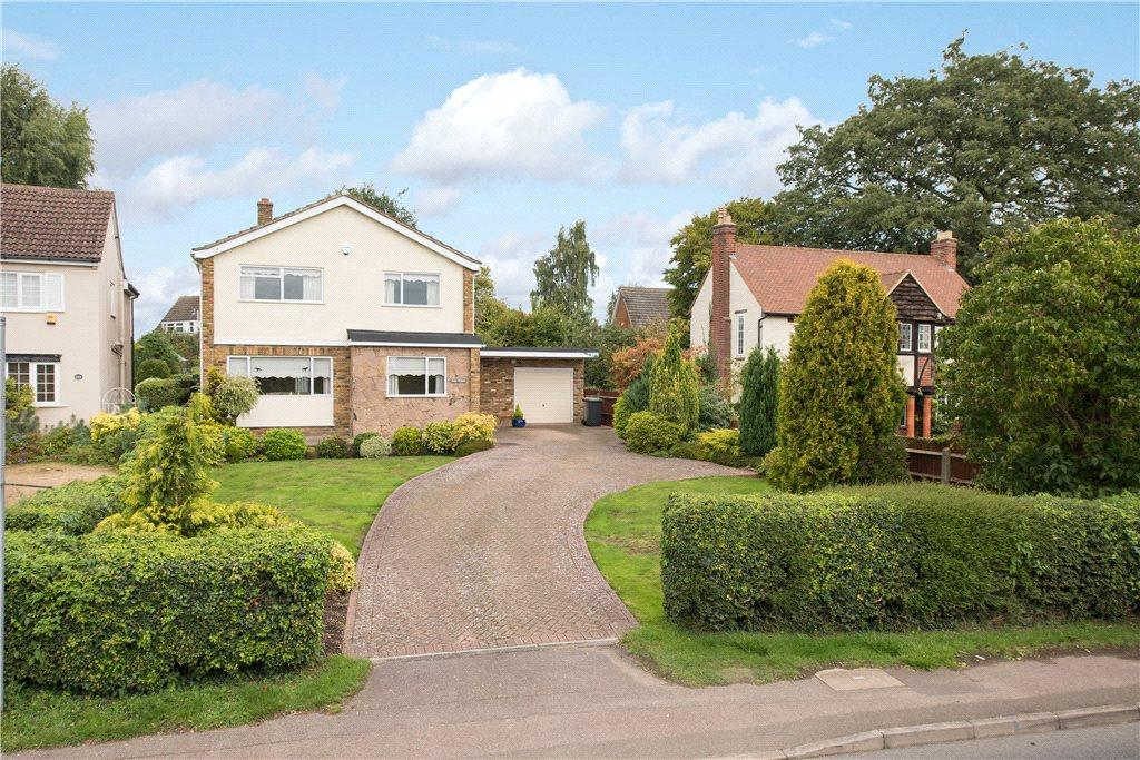 4 Bedrooms Detached House for sale in Village Road, Bromham, Bedfordshire