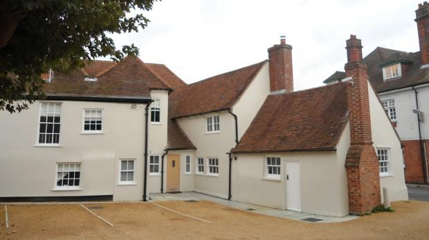 2 Bedrooms Terraced House for rent in Peerage House Village Centre , Ingatestone, CM4