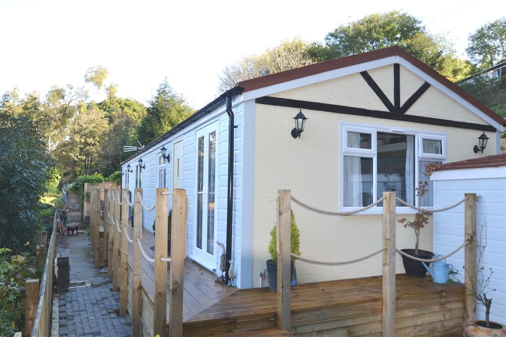 2 Bedrooms Detached Bungalow for sale in Maen Valley, Falmouth