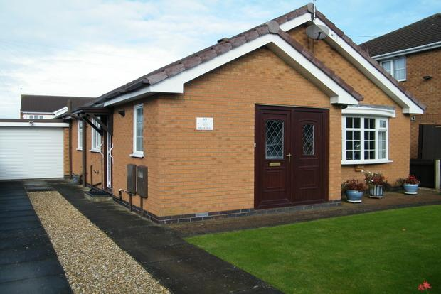 2 Bedrooms Bungalow for sale in Briar Way, Skegness, PE25