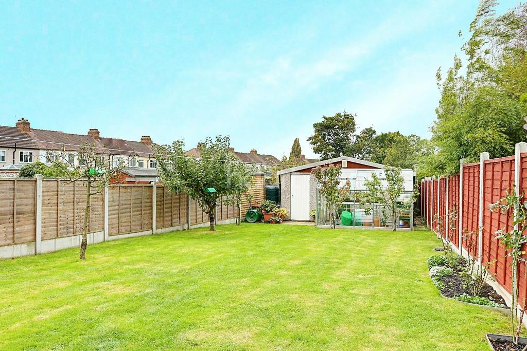 3 Bedrooms End Of Terrace House for sale in Lynton Avenue, Collier Row, Romford