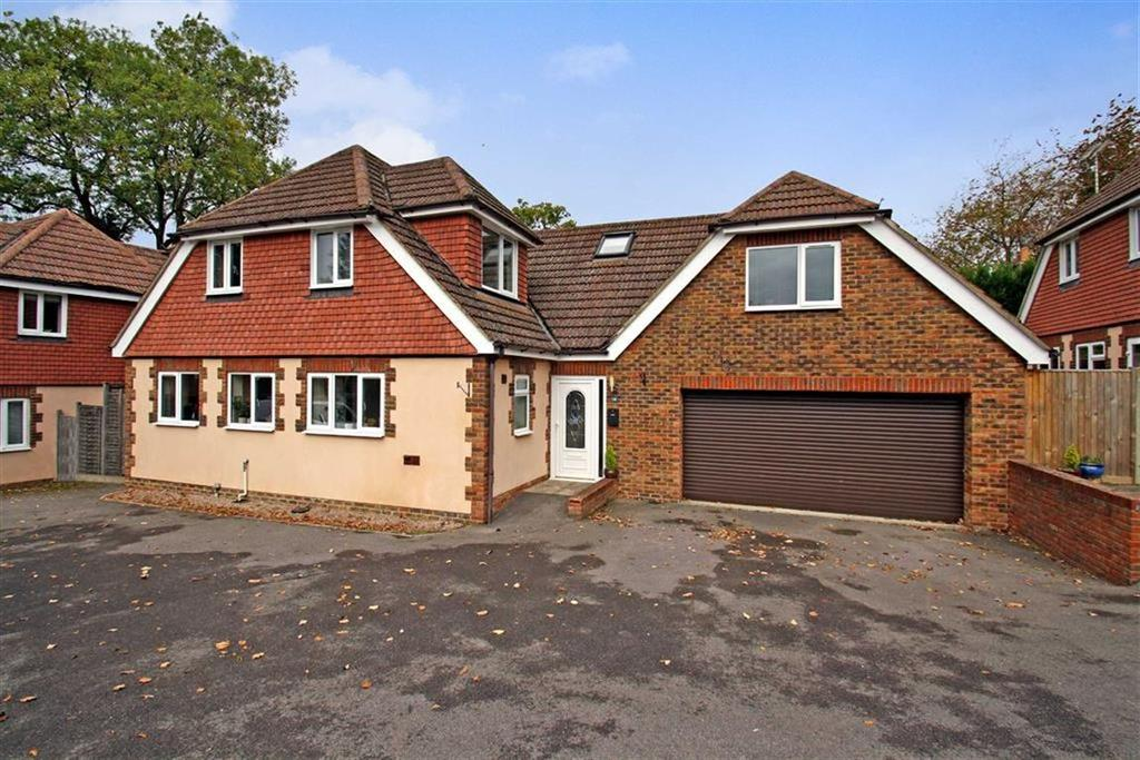 5 Bedrooms Detached House for sale in Pound Close, Headley, Hampshire, GU35
