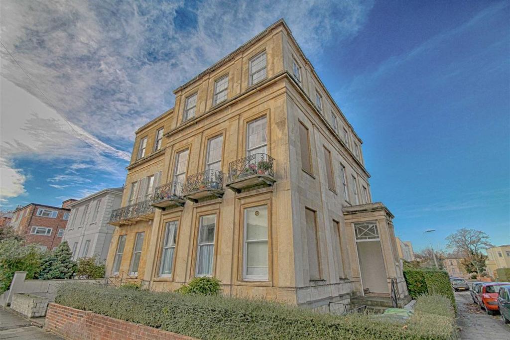 1 Bedroom Flat for sale in Carlton Street, Central, Cheltenham, GL52