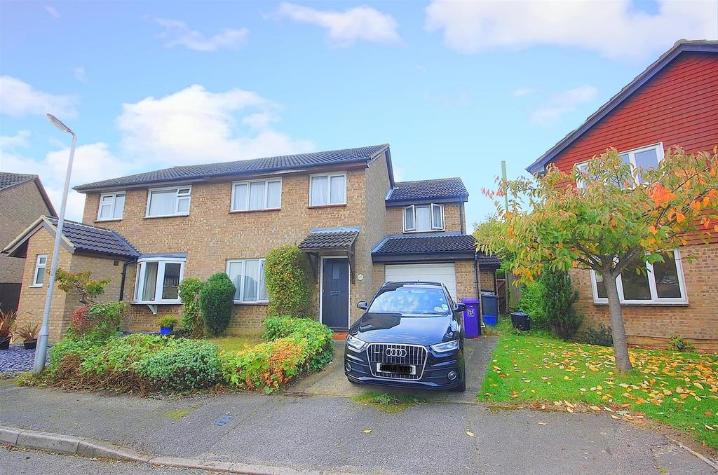 4 Bedrooms Semi Detached House for sale in Coleridge Close, Hitchin