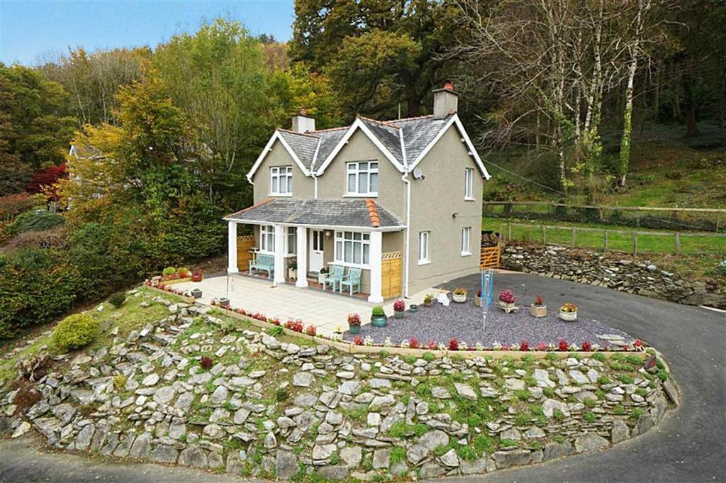 3 Bedrooms Detached House for sale in Dinas Hill, Betws Y Coed, Conwy