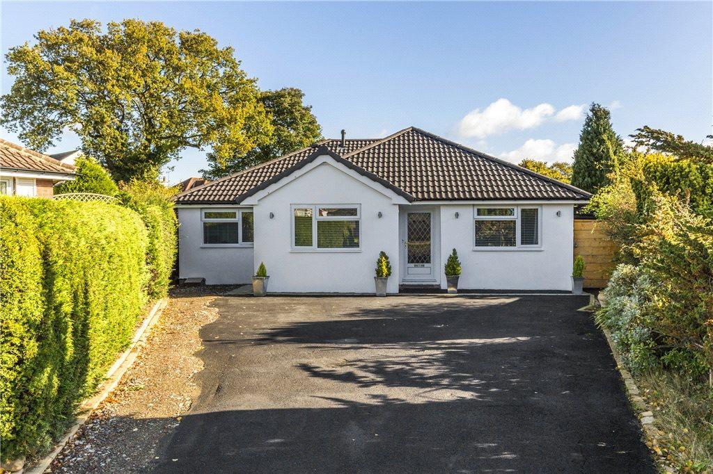 4 Bedrooms Detached Bungalow for sale in North Mead, Bramhope, Leeds, West Yorkshire