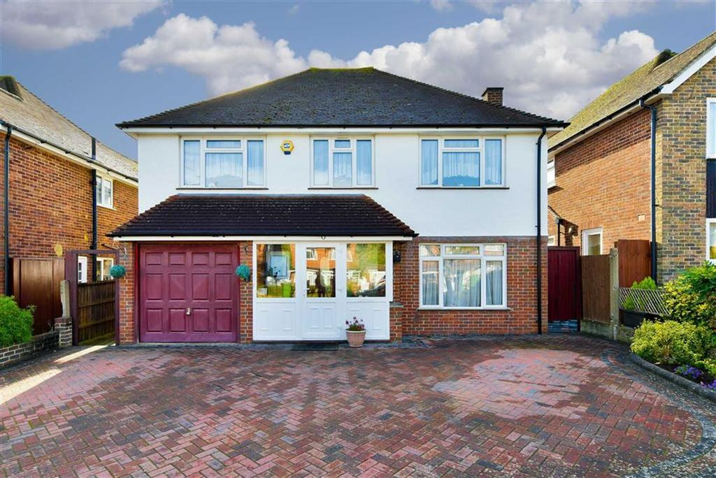 4 Bedrooms Detached House for sale in Cleves Avenue, Epsom, Surrey