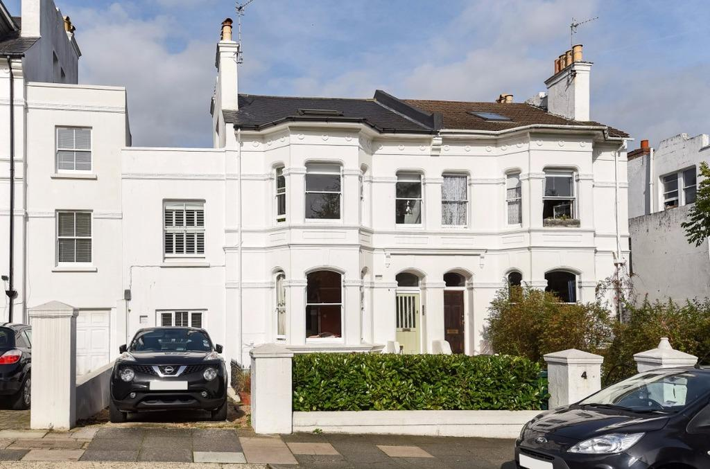 2 Bedrooms Flat for sale in Clermont Road Brighton East Sussex BN1