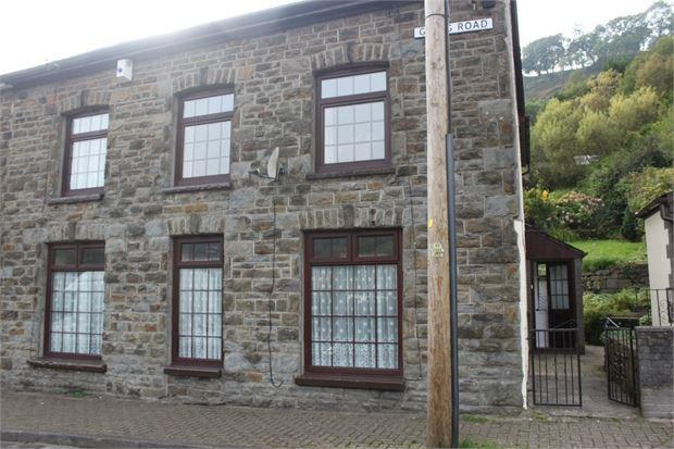 4 Bedrooms Semi Detached House for sale in Graig Street, Ynyshir, Porth, Rhondda Cynon Taff. CF39 0NS