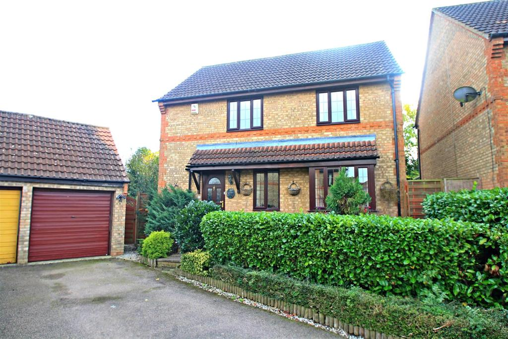 4 Bedrooms Detached House for sale in Ireland Close, Browns Wood, Milton Keynes