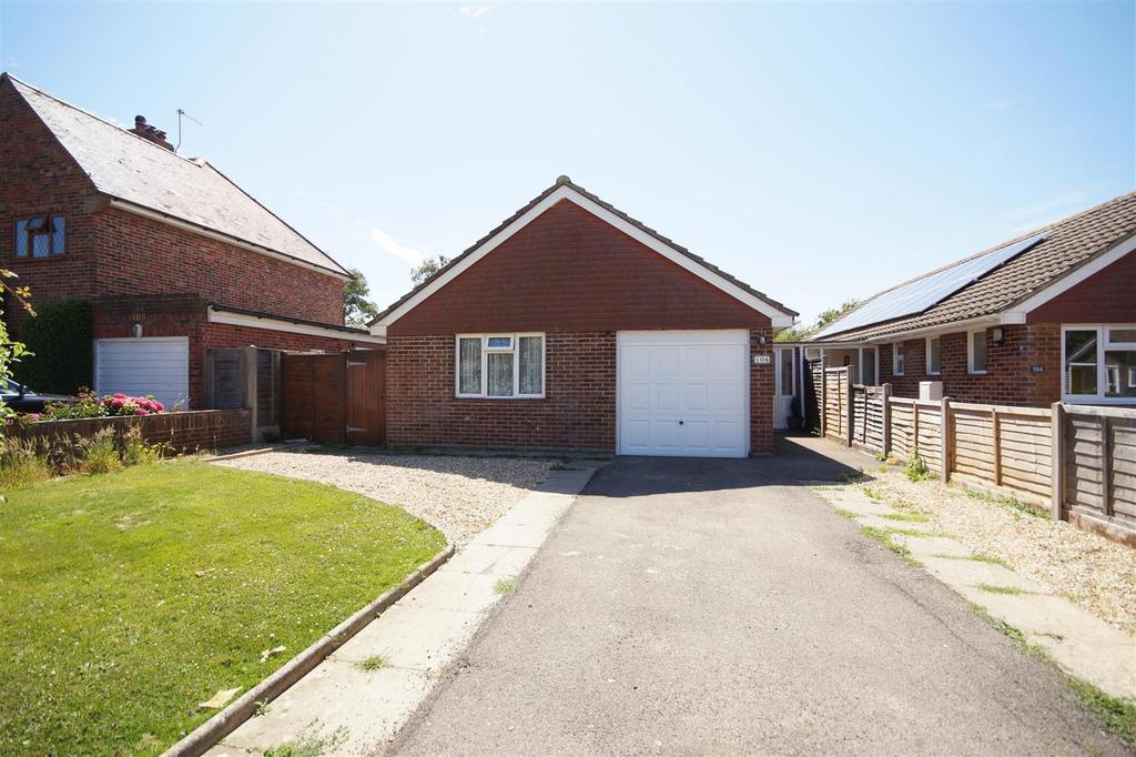 2 Bedrooms Detached Bungalow for sale in Harbour View Road, Pagham