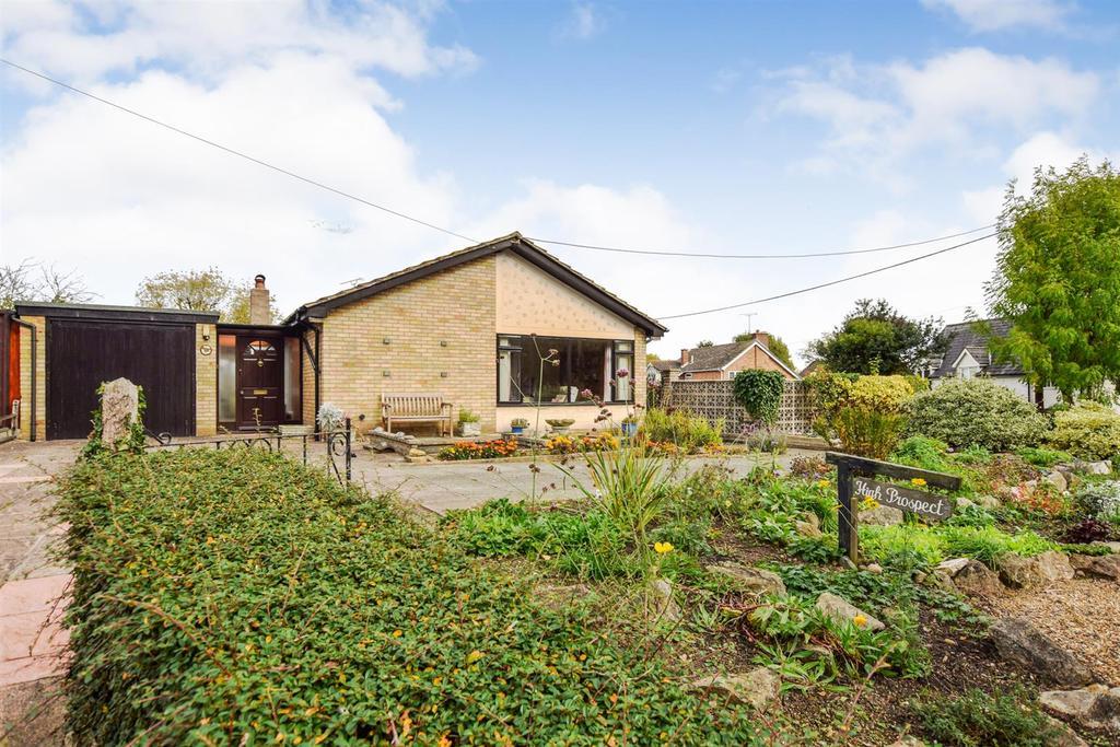 3 Bedrooms Bungalow for sale in Little Baddow Road, Woodham Walter