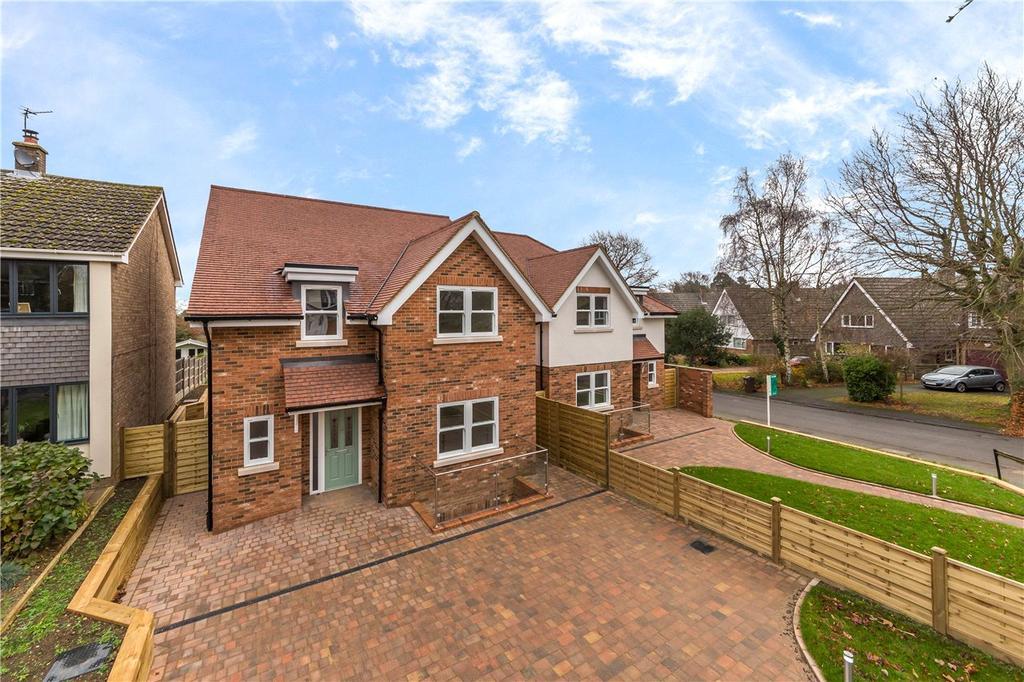 5 Bedrooms Detached House for sale in Ashley Gardens, Harpenden, Hertfordshire