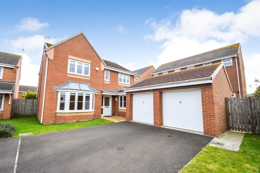 4 Bedrooms Detached House for sale in Stanton Court, Murton, Seaham, Co. Durham, SR7