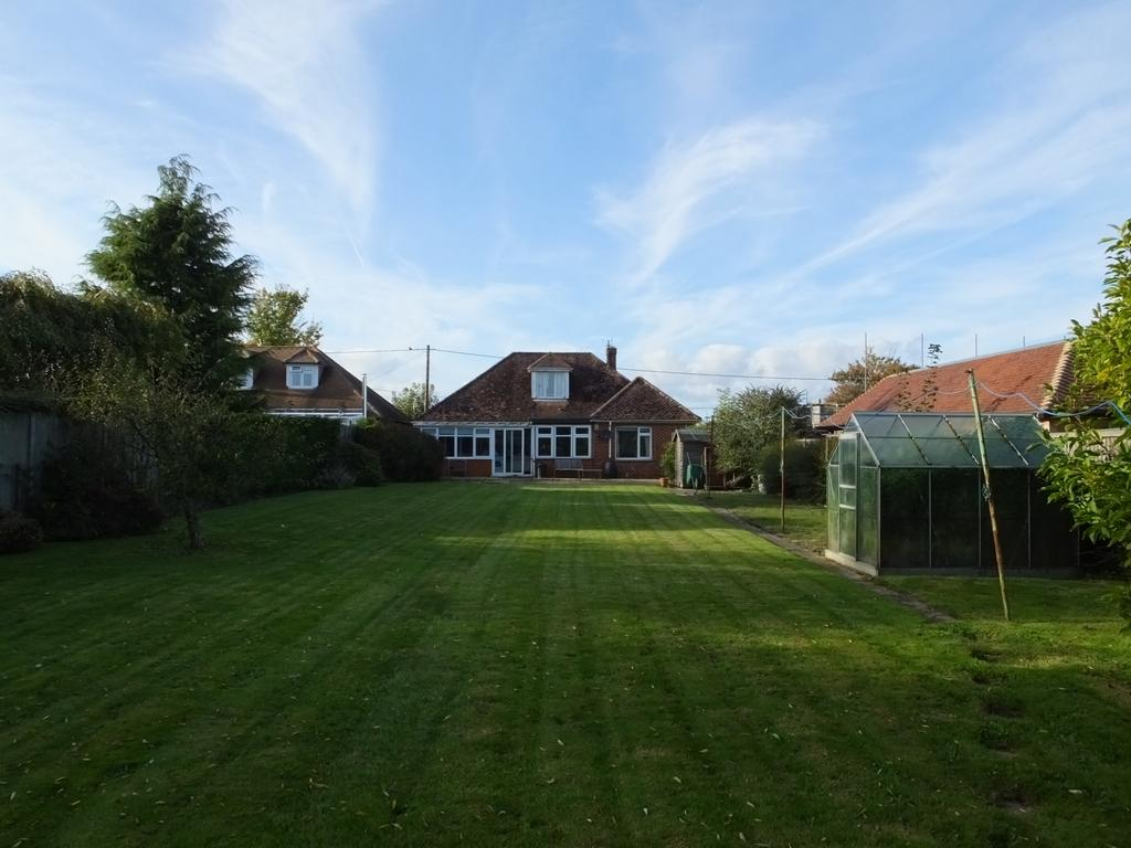 4 Bedrooms Detached House for sale in Manns Hill, Bossingham, CT4