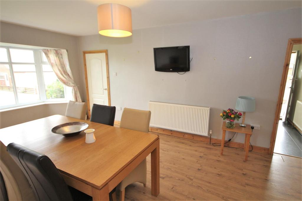 3 Bedrooms Detached Bungalow for sale in Garden Flats Lane, Dunnington, York, YO19