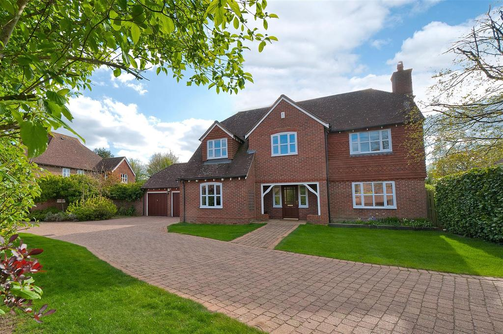 5 Bedrooms Detached House for sale in Townsend Square, Kings Hill, ME19 4HE