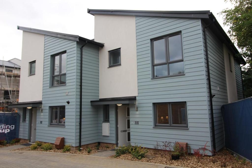 3 Bedrooms Semi Detached House for sale in Plot 1 Byron Road, Chelmsford, Esses, CM2