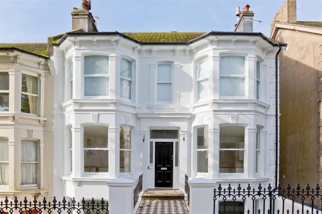 1 Bedroom Flat for sale in Beaconsfield Villas, Preston Park, Brighton
