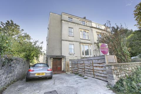 2 bedroom flat to rent - Cotham Park, Cotham, BS6