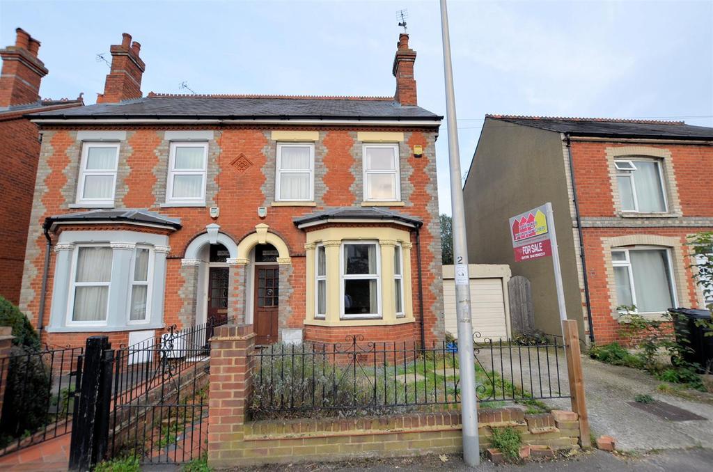 4 Bedrooms Semi Detached House for sale in Westwood Road, Tilehurst, Reading
