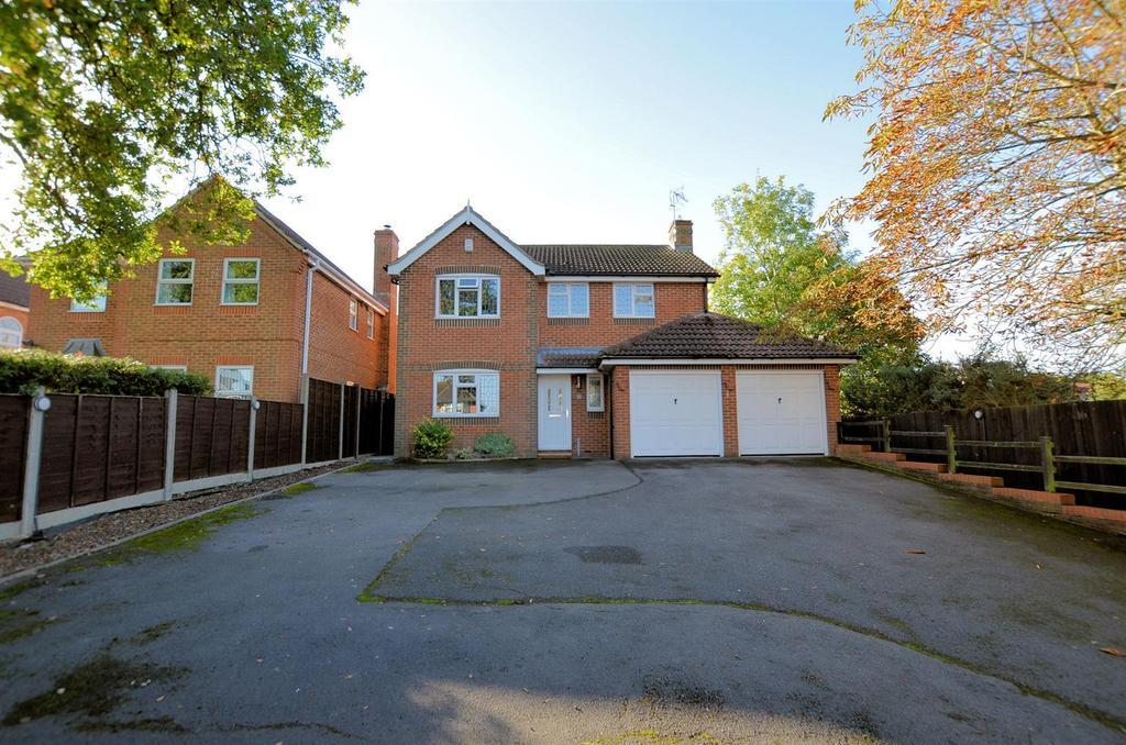 4 Bedrooms Detached House for sale in City Road, Tilehurst, Reading