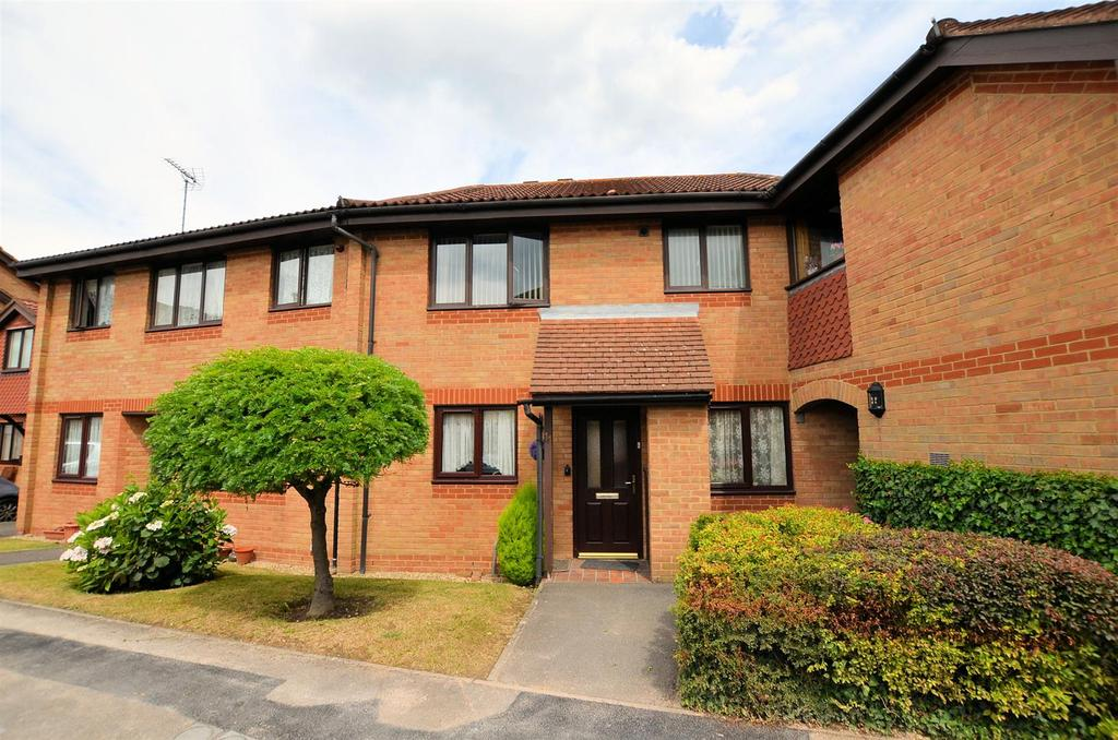 1 Bedroom Flat for sale in Burrcroft Court, Reading