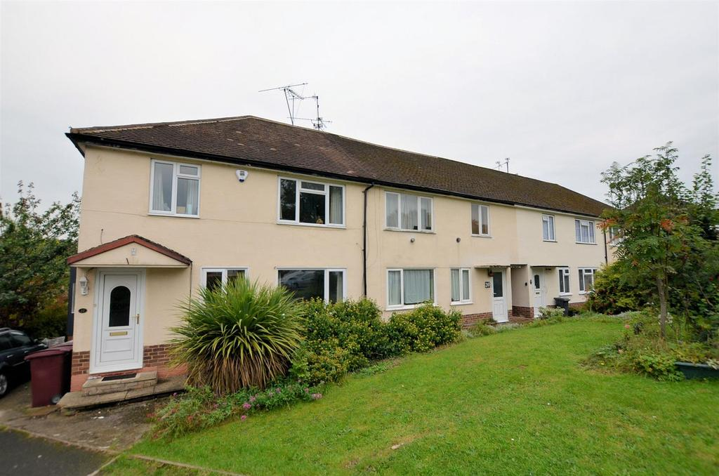 2 Bedrooms Maisonette Flat for sale in Dudley Close, Tilehurst, Reading