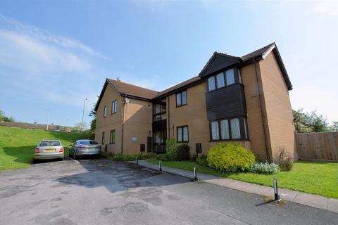 1 bedroom flat for sale - Ashmere Close, Calcot, Reading
