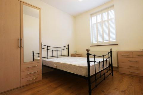 1 bedroom flat share to rent - Birchfields Road, Manchester M13