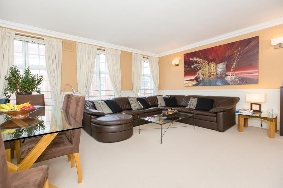 2 Bedrooms Apartment Flat for sale in Davis Court, Kensington W8