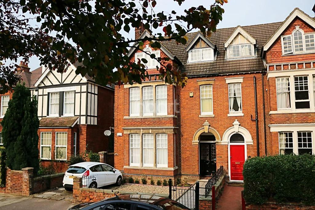 1 Bedroom Flat for sale in St Georges Road, Bedford