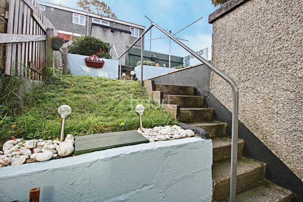 2 Bedrooms Terraced House for sale in Duloe Gardens, Plymouth