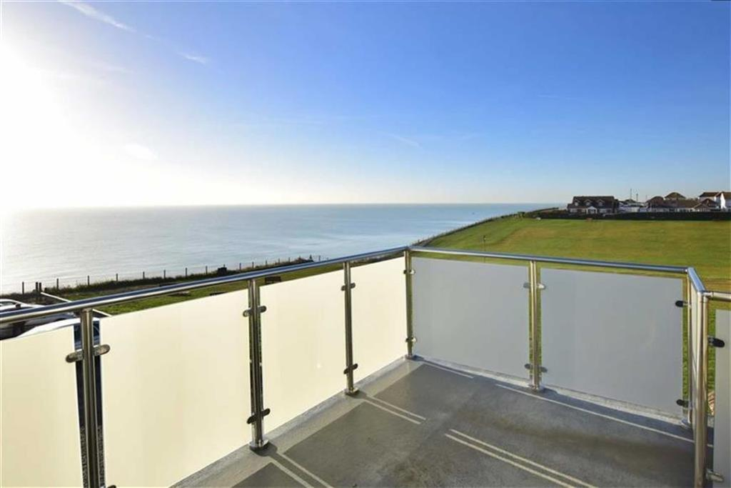 4 Bedrooms Detached House for sale in Cavell Avenue, PEACEHAVEN