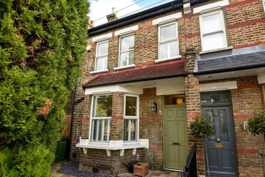 4 Bedrooms Semi Detached House for sale in Meadowcourt Road, Blackheath