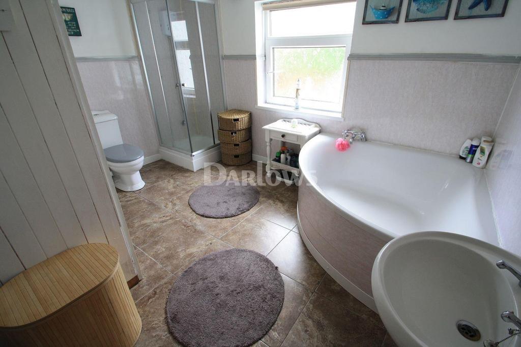 3 Bedrooms End Of Terrace House for sale in Scwrfa Road, Dukestown, Tredegar, Blaenau Gwent
