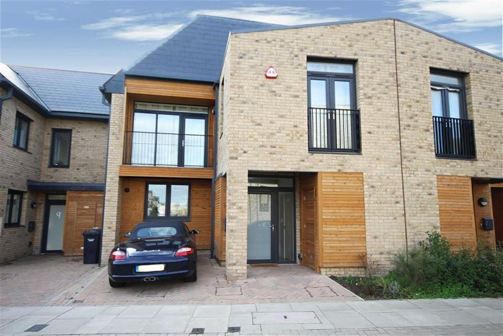 3 Bedrooms Semi Detached House for sale in Sphinx Way, Barnet, Hertfordshire