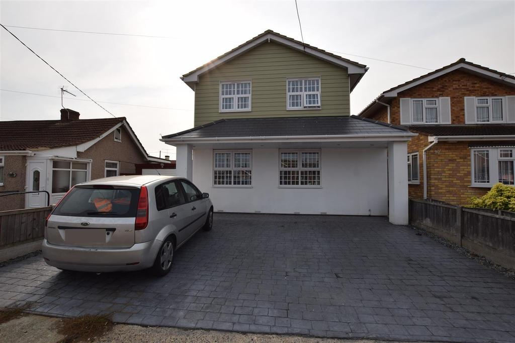 4 Bedrooms Detached House for sale in Beverley Avenue, Canvey Island