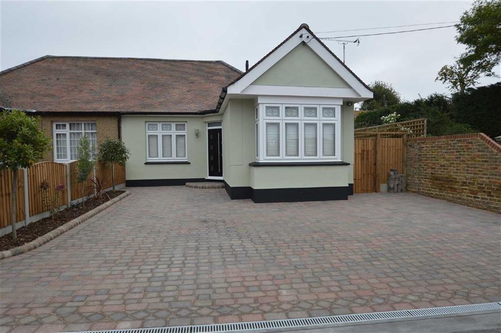 2 Bedrooms Semi Detached Bungalow for sale in Stambridge Road, Rochford, Essex
