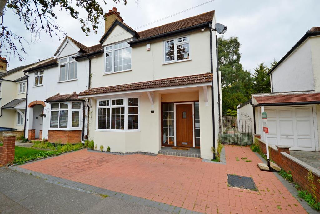 3 Bedrooms Semi Detached House for sale in Stanley Road, Hornchurch, Essex, RM12