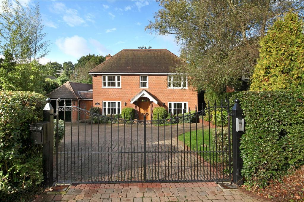 5 Bedrooms Detached House for sale in Beacon Hill, Penn, High Wycombe, Buckinghamshire, HP10
