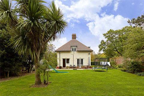 3 bedroom detached house to rent - Norstead Place, Richmond Park, London, SW15