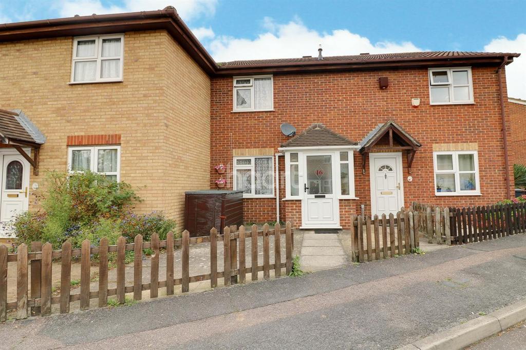 2 Bedrooms Terraced House for sale in Webbscroft Road