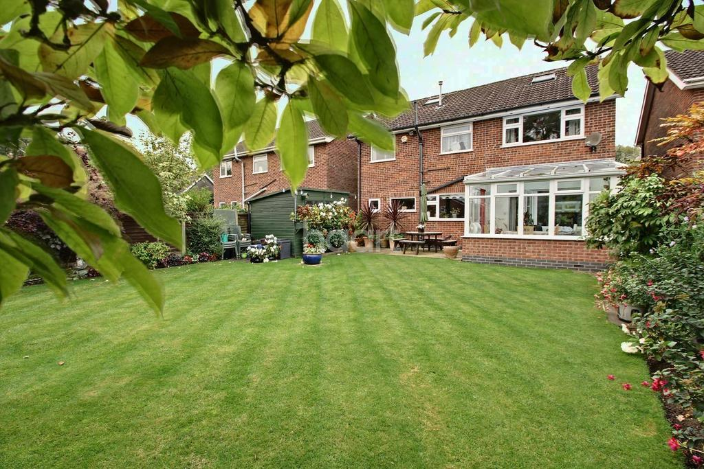 5 Bedrooms Detached House for sale in Highfield Road, Groby, Leicester