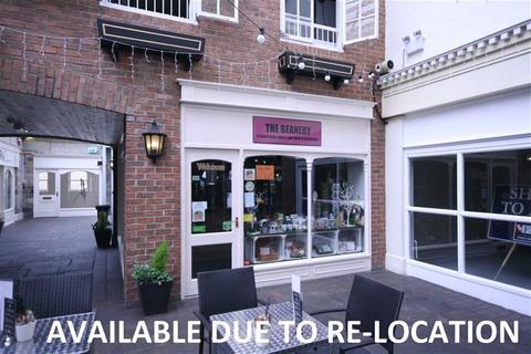 Retail property (high street) to rent - Castle Courtyard, Knaresborough, HG5