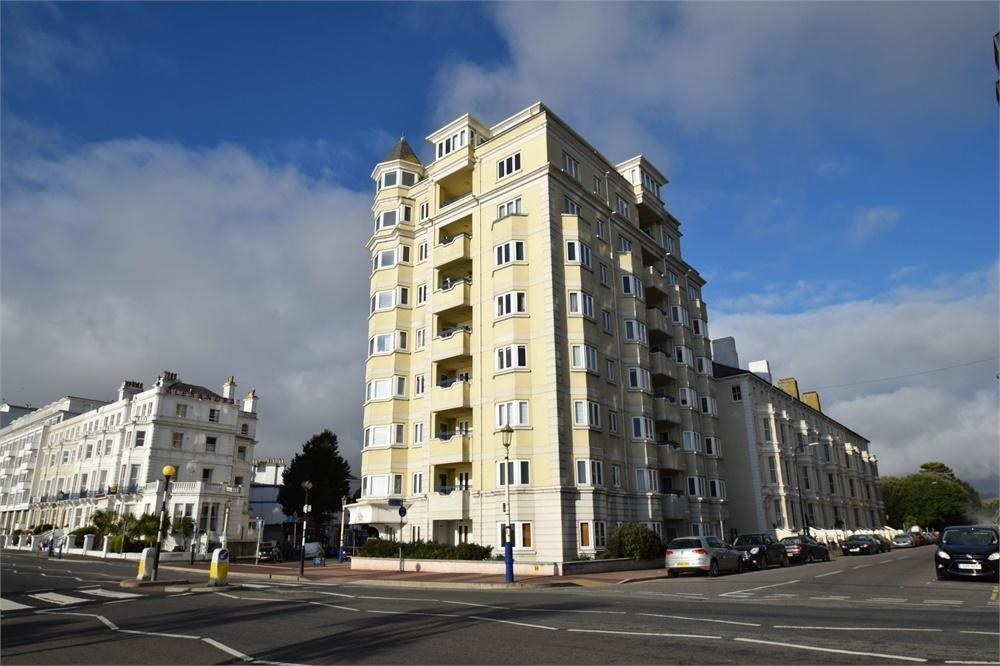 2 Bedrooms Flat for sale in Grand Parade, Seafront, East Sussex