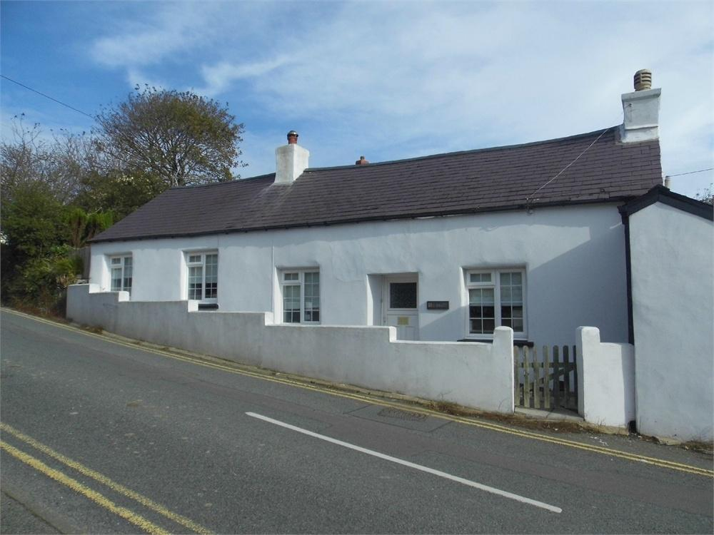 2 Bedrooms Cottage House for sale in Y Bwthyn, Stop and Call, Goodwick, Pembrokeshire