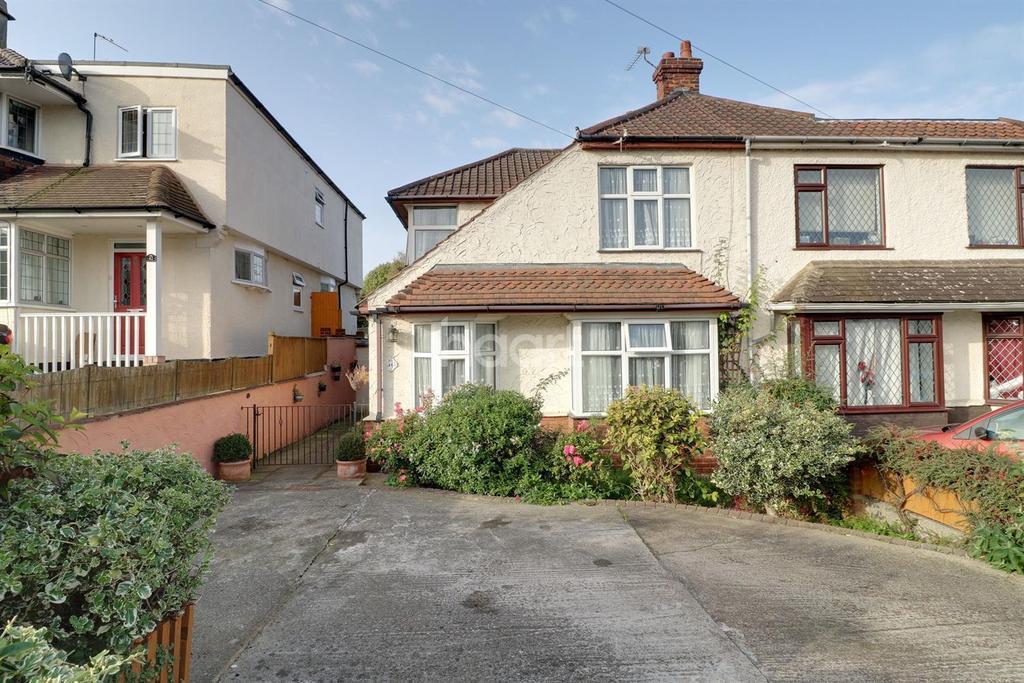 3 Bedrooms Semi Detached House for sale in Stanham Road, Dartford, DA1
