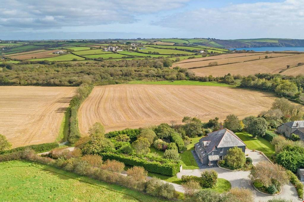 5 Bedrooms Detached House for sale in Treluggan, Roseland Peninsula, South Cornwall, TR2