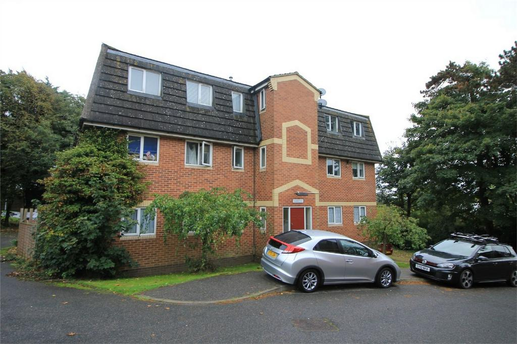 2 Bedrooms Flat for sale in Beecham Place, ST LEONARDS ON SEA, East Sussex